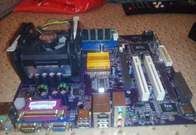 Плата с процессором Elitegroup 651-M (V1.0)