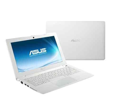 Asus x200ca Cel1007u 4GB 80GB win7 white