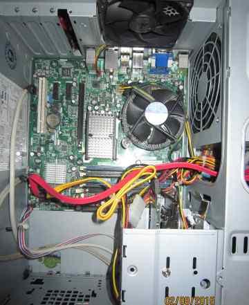 Pentium(R) Dual-Core CPU E5400 2.7 GHz, (2 ядра)