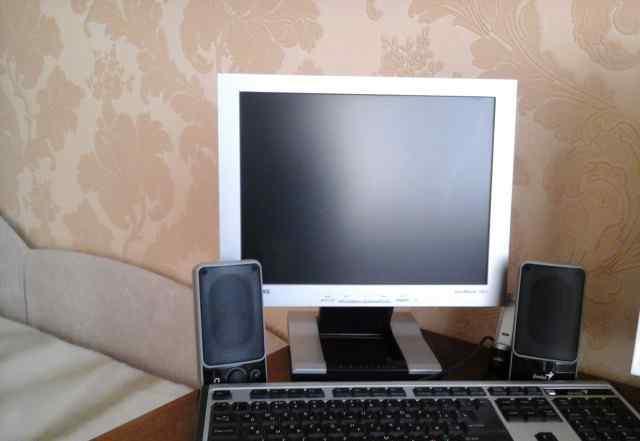 Компьютер(системный блок, монитор, колонки, клавиа
