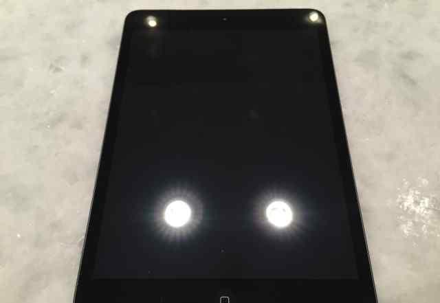 iPad Mini 2 немного поношенный, рабочее состояние