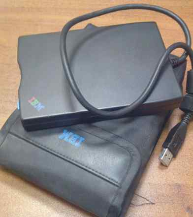 USB floppi IBM c чехлом