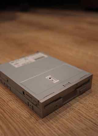Дисковод Floppy 3.5