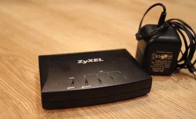 Роутер/свитч Zyxel ES-305