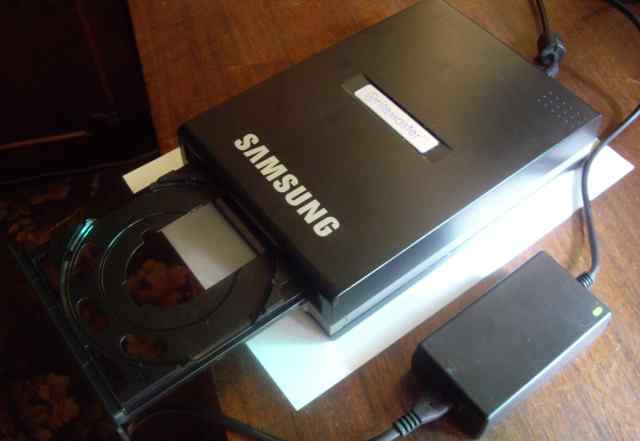 Внешний DVD привод Samsung SE-S224Q