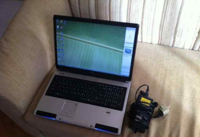 Ноутбук Toshiba Satellite P105-S9337