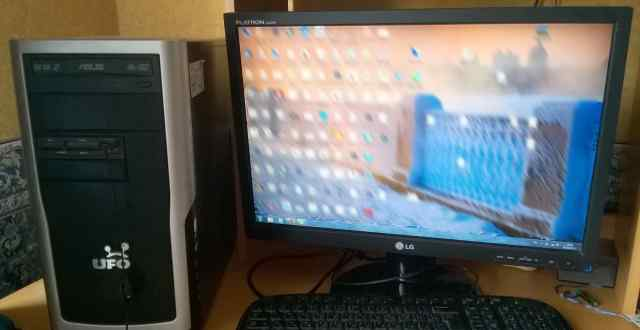 Компьютер с монитором 22