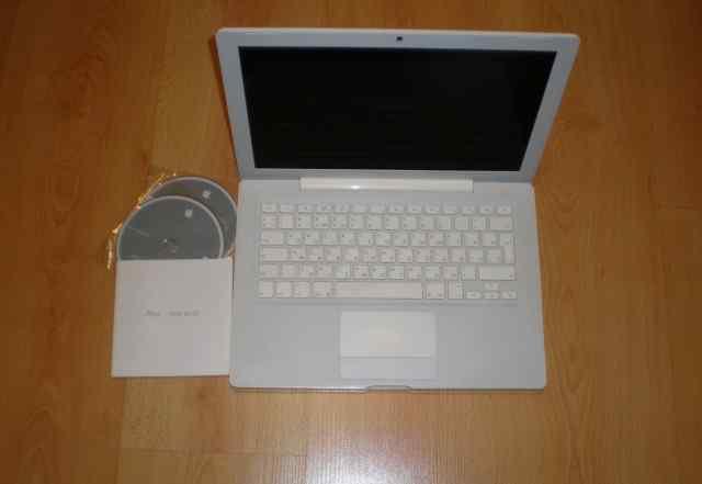 Ноутбук Apple Macbook/ Отличное состоян