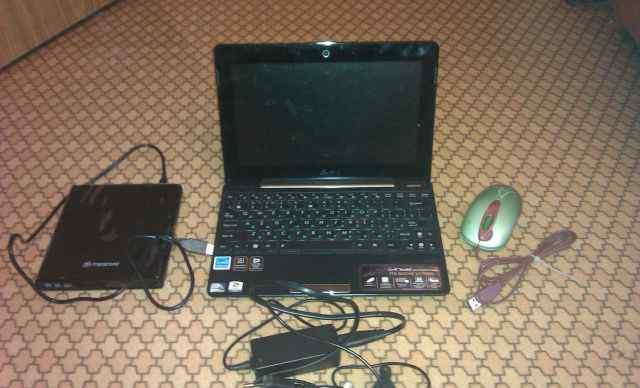 Нетбук asus Eee PC 1008P в отличном состоянии