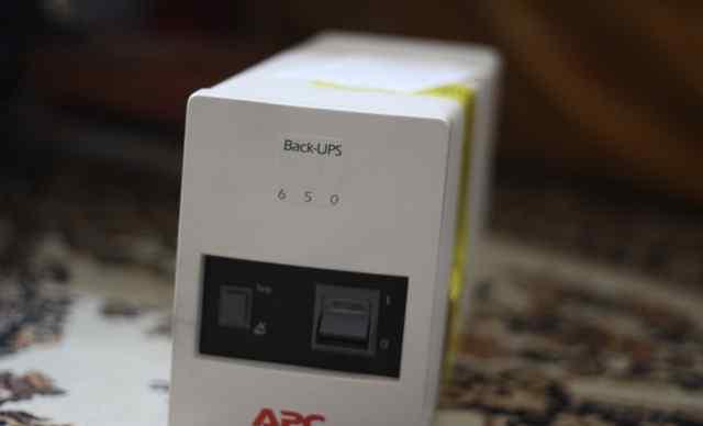 Блок бесперебойного питания APS 650