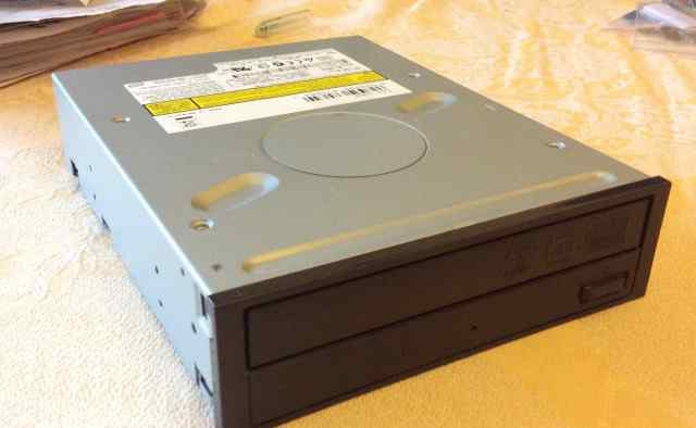Sony NEC Optiarc DVD-RW ND-3550A Черный б/у