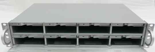 Система хранения на 8 SATA/SAS HDD SSI SI-9442SAS