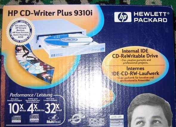 Пишущий винтажный cdrw HP CD-writer plus 9310i