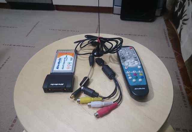 Тв-тюнер AVerMedia AverTV Hybrid+ FM Cardbus
