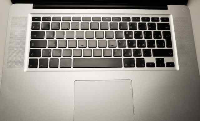 Топкейс Macbook Pro A1286, 2009 RUS в сборе