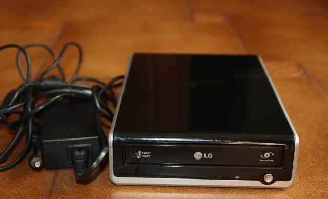 Внешний DVD/CD-RW привод LG