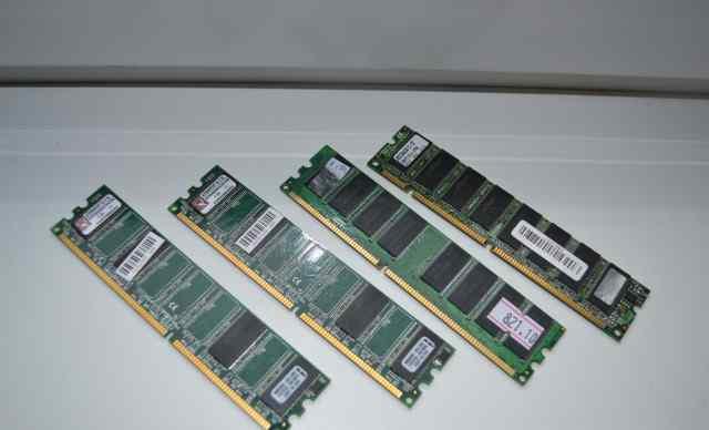 Четыре блока оперативной памяти kingston 256 мб