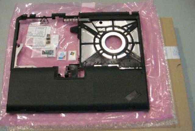IBM ThinkPad T30 передняя панель