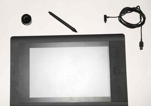 Графический планшет Wacom Intuos 5 L