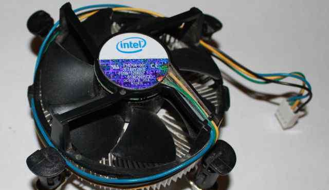 Кулер Intel E18764-001