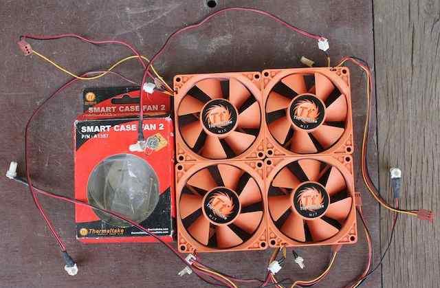 4 вентилятора Thermaltake