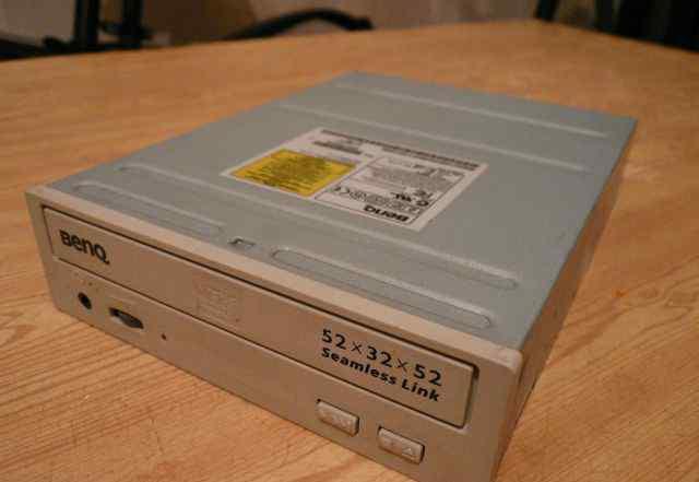 CD-RW Benq 52x32x52