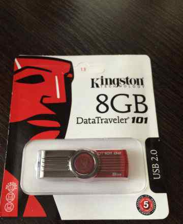 Флешка Kingston 8gb