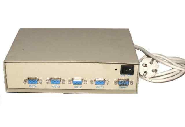 Разветвитель сплиттер на 4 монитора JC-2000B