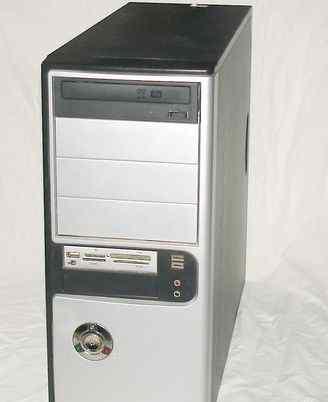 Компьютер Intel 2 Duo в комплекте