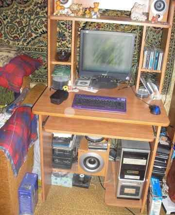 Компьютер  (сист блок + монитор+ комп стол)