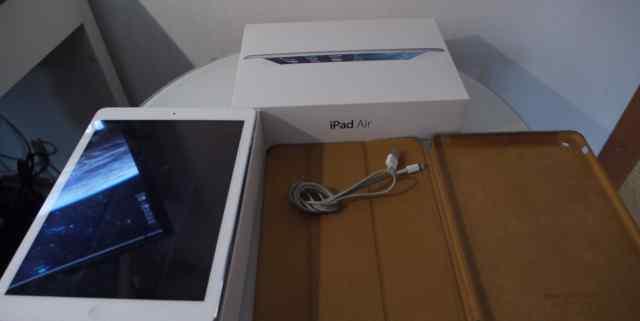iPad Air (первое поколение) 64GB+ Cellular A1475