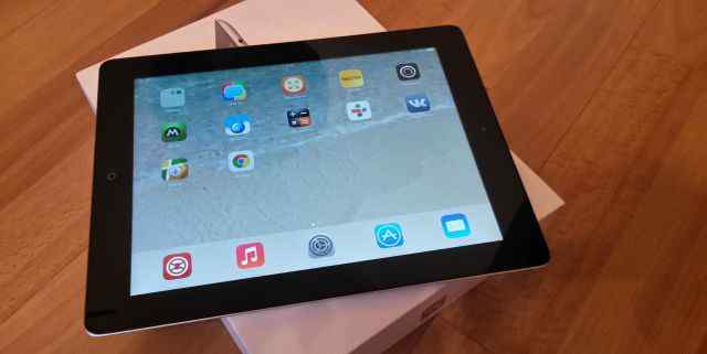 Apple iPad 3 32Gb Wi-Fi + 4G, Retina, черный