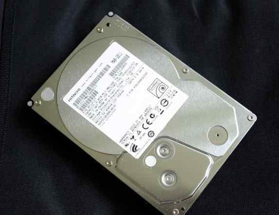 Hitachi HDS5C3020ALA632, 2Тб, HDD, SATA III, 3.5