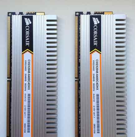 4Gb DDR2 800Мгц Corsair CM2X2048-6400C4DHX