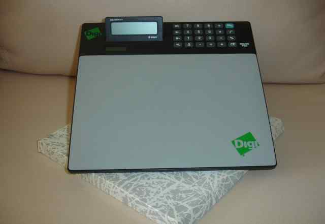 Калькулятор и коврик для мыши