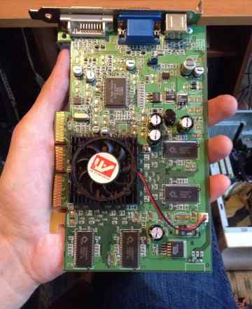 Видеокарта Radeon 9100 128Mb DDR б/у