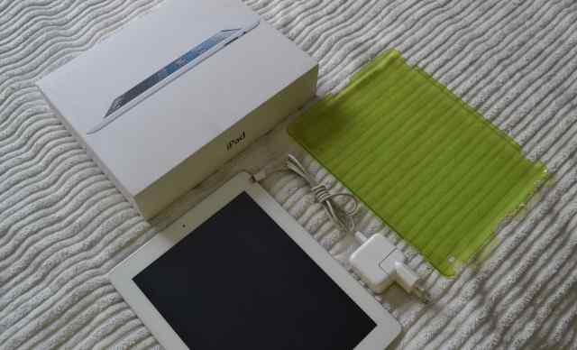 Планшет Apple iPad 4 16 Gb Wi-Fi