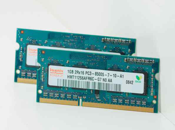 2gb память от Macbook Pro 2009 DDR3 PC3-8500