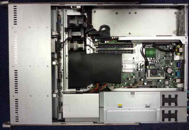 Сервер supermicro 1xQ6600/2х2Gb/DVD/бп 2x450W/Rack