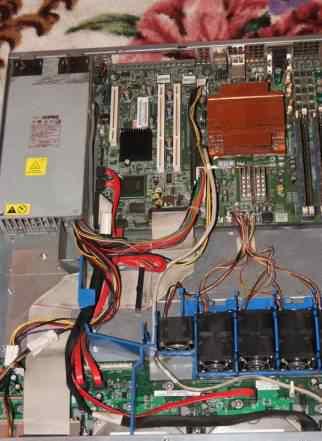 сервер 1U SR1425BK1
