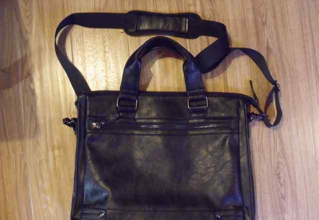 Фирменная сумка ostin для ноутбука 15