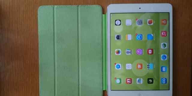 Apple iPad mini 64Gb б/у