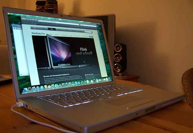 Ноутбук Apple MacBook Pro 15 (Early 2008)