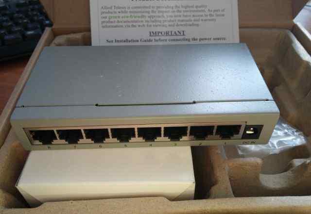 Коммутатор Allied Telesis AT-FS708LE