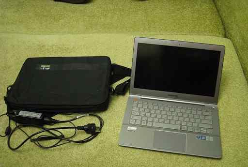 Ноутбук Samsung ativ Book 7 730U3E с сумкой