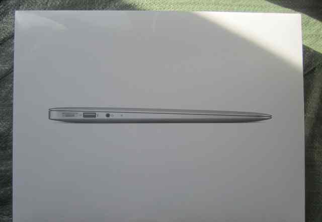 MacBook Air MD231RS/A 13.3/1.8GHz/4GB/128GB