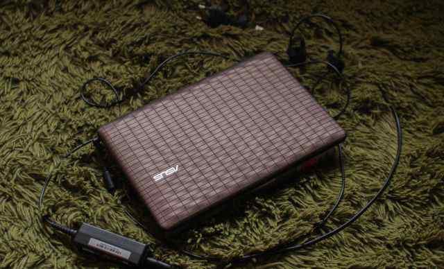 Нетбук Eee PC 1008P (Karim Rashid Collection)