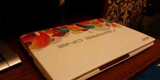 Aser aspire one D270 limited edition