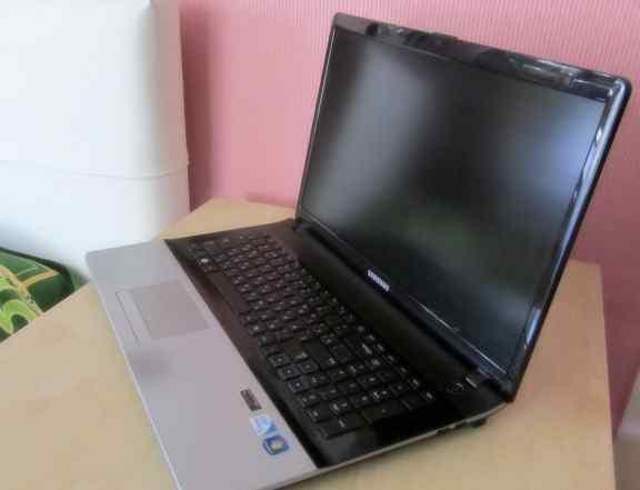 Ноутбук samsung модель NP300E7A