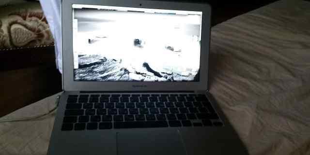 MacBook Air 11 (2012 год)